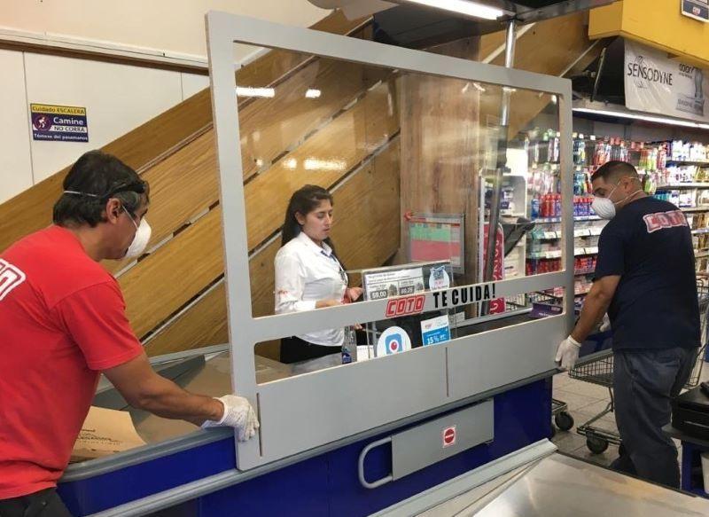 PASSO PRODUCCIONES PROTECTOR SANITARIO EQUIPAMIENTO COVID-19 CORONAVIRUS RETAIL SUPERMERCADOS MAYORISTAS LOCALES COMERCIALES